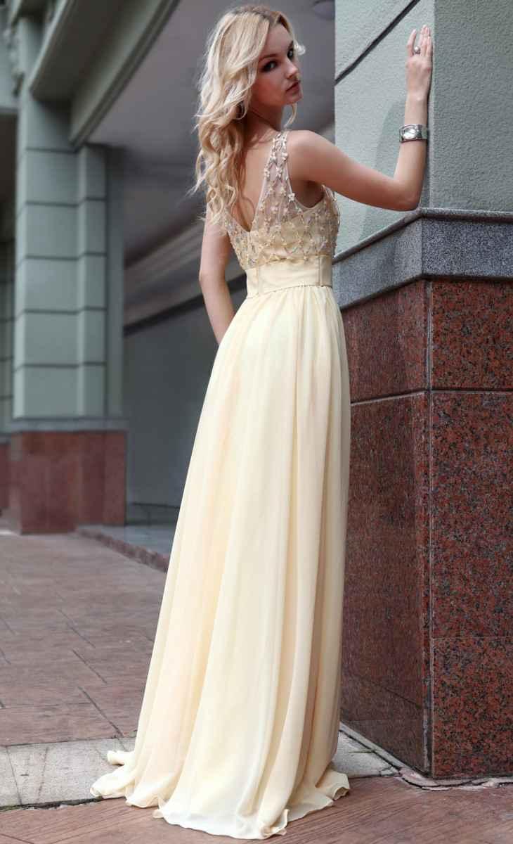 Светлые длинные платья в пол 184